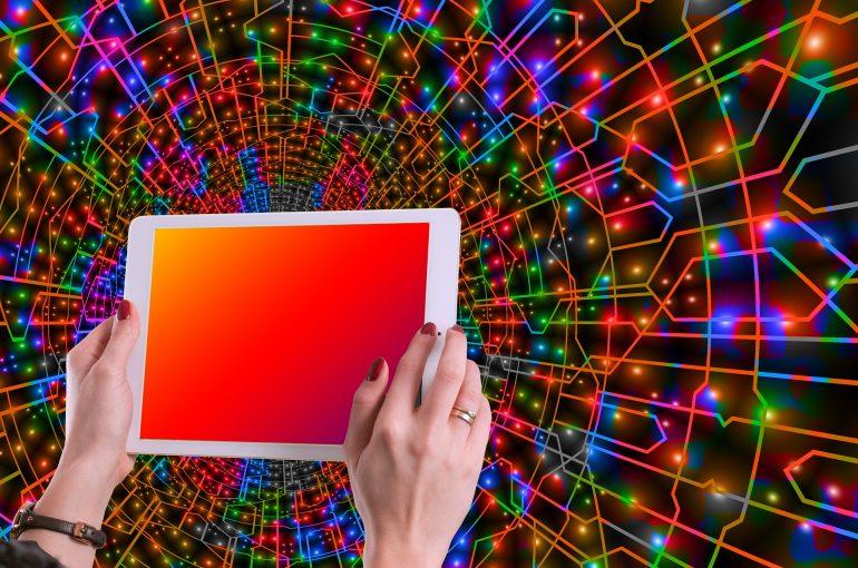 Qué son las neuronas espejo y cómo aplicarlas en marketing digital